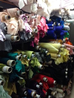 Seek�s New York City shopping tours include fabric shopping tours and guided tours of the NYC Garment District