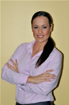 Simone Sleep is a biochemist nutritionist. Dental implants are toxic to health, periodontal disease, health funds and offshore dental treatments