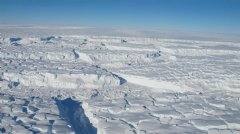 James Yungel / NASA - Photo of the Thwaites ice shelf taken during an October 2013 Operation IceBridge aerial survey.