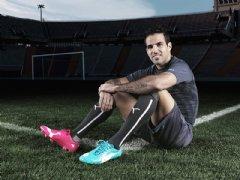 Cesc F�bregas will wear PUMA evoPOWER Tricks in Brazil