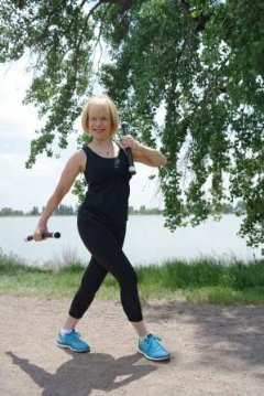 June Kahn, nationally-recognized Pilates and Health Master instructor/teacher trainer, and member of Team Body Bar, created the Flex Trek workout.